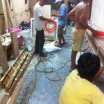 工事中のサロンには沢山の業者の方が手分けして作業してくれてます
