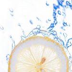 朝のレモンウォーターはヘアケア効果が望めます