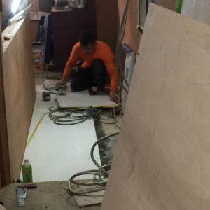 バンコクATAMAサロンの床の貼り付け工事内容