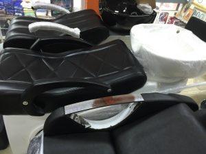 バンコクATAMAヘアサロンで使用するシャンプー台