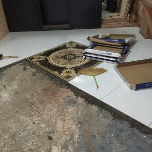 タニヤATAMAサロンの床の貼り付け工事