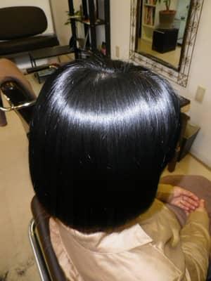 バンコクATAMAヘアーサロンのヘアーマニキュアイメージ